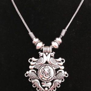 Naszyjnik z Ganeshem kolor srebrny
