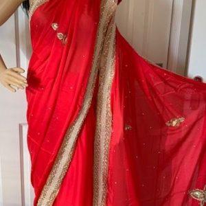 Saree sari czerwone pieknie ozdobione