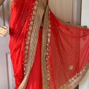 Saree sari czerwone ozdobione zlotem