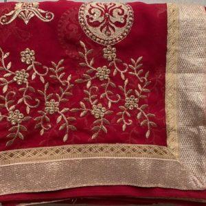 Sari saree ciemno czerwone ze zlotem