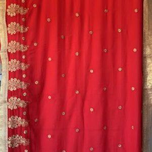 Sari saree czerwone ze zlotem cyrkonie