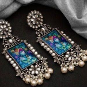 Kolczyki duze srebrne z wizerunkiem Krishny i Radhy