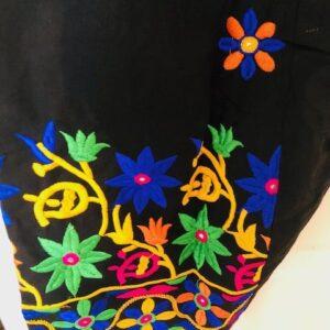 Spodnie bawelna czarne, kolorowe wyszycia 225