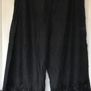 Spodnie czarne ozdobione M/L (249)