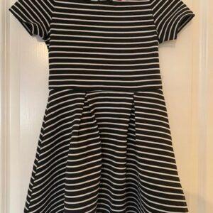 Sukienka bialo czarna dziewczynka 7-8 lat (285)