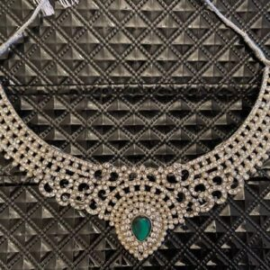 Naszyjnik srebrny, cyrkonie, zielone oczko  T207