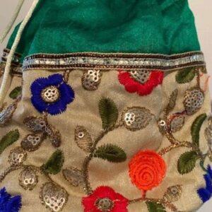 Torebka worek materialowa ozdobiona Indie