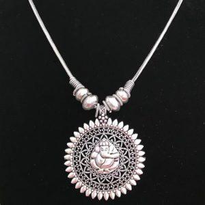 Naszyjnik z wizerunkiem Ganesha srebrny 498