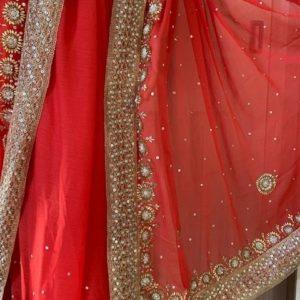 Saree sari czerwone ozdobione zlotem 022